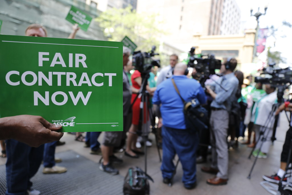 AFSCME Illinois contract bruce rauner